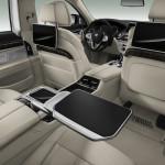 BMW Serie 7 interni tavolino posteriore